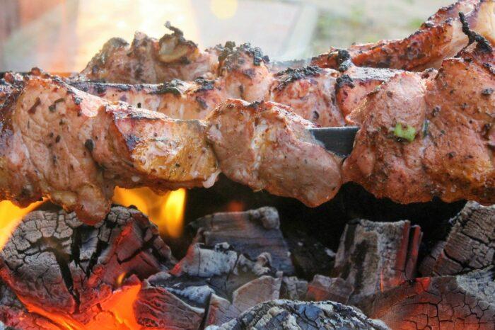 мясо шашлык мангал
